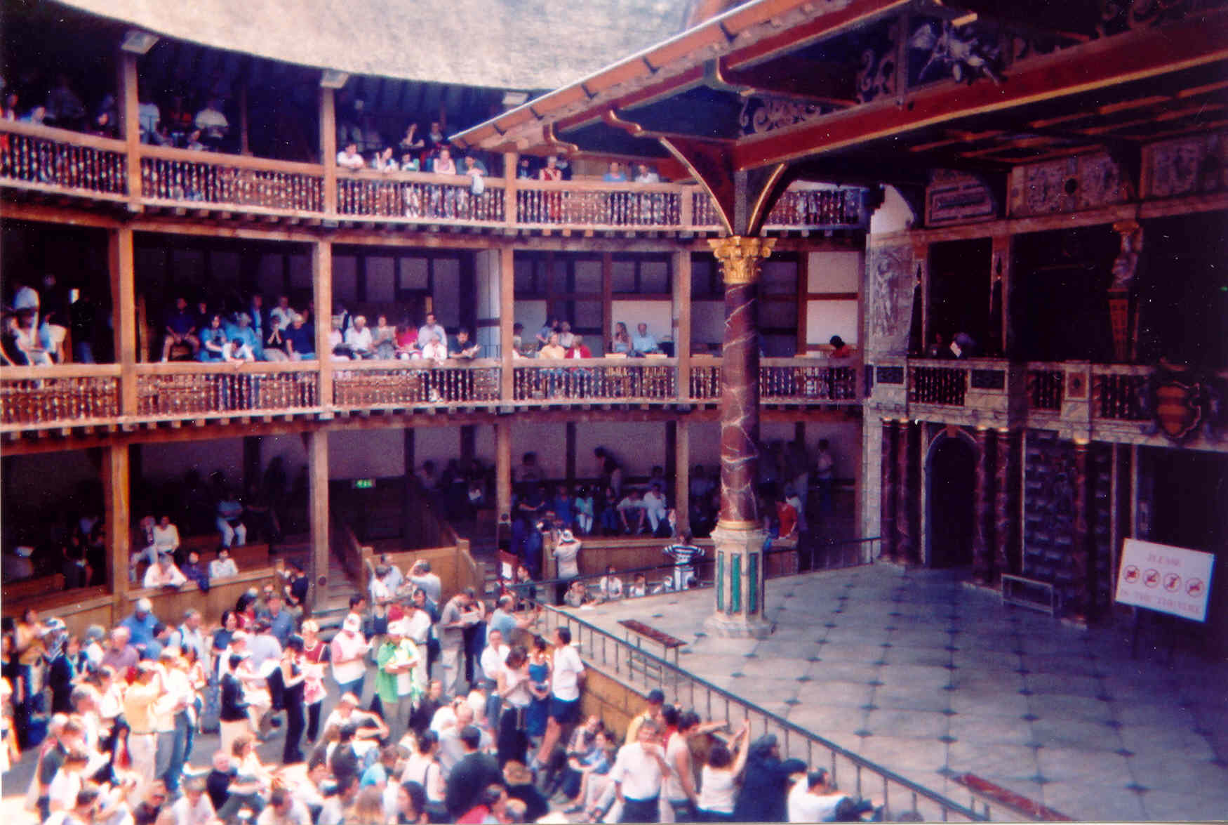 elizabethan theatre audience - photo #22